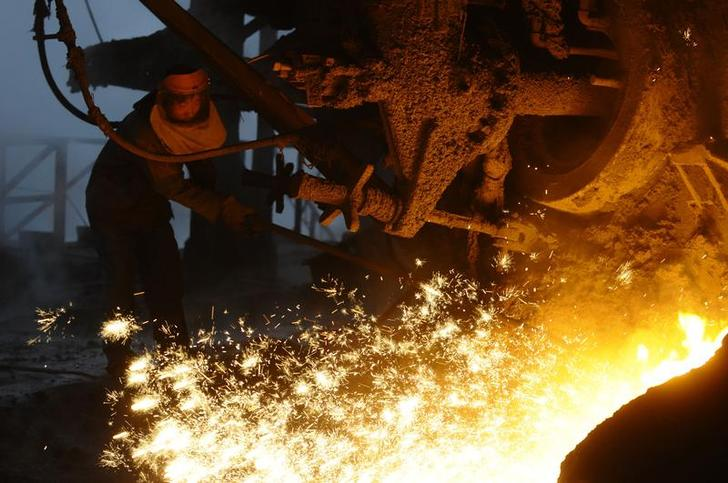 An employee works at the Changning steel and iron factory in Changzhi, Shanxi province February 9, 2010. Climbing import prices for iron ore will put upward pressure on domestic ore prices, a trend not favourable for Chinese steel mills facing oversupply of steel products, China Iron and Steel Association said on Tuesday. REUTERS/Stringer (CHINA - Tags: ENERGY BUSINESS) CHINA OUT. NO COMMERCIAL OR EDITORIAL SALES IN CHINA